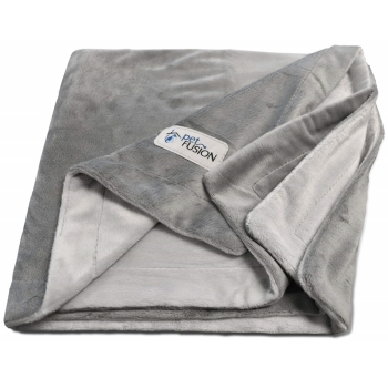Polyester throw from PetFusion